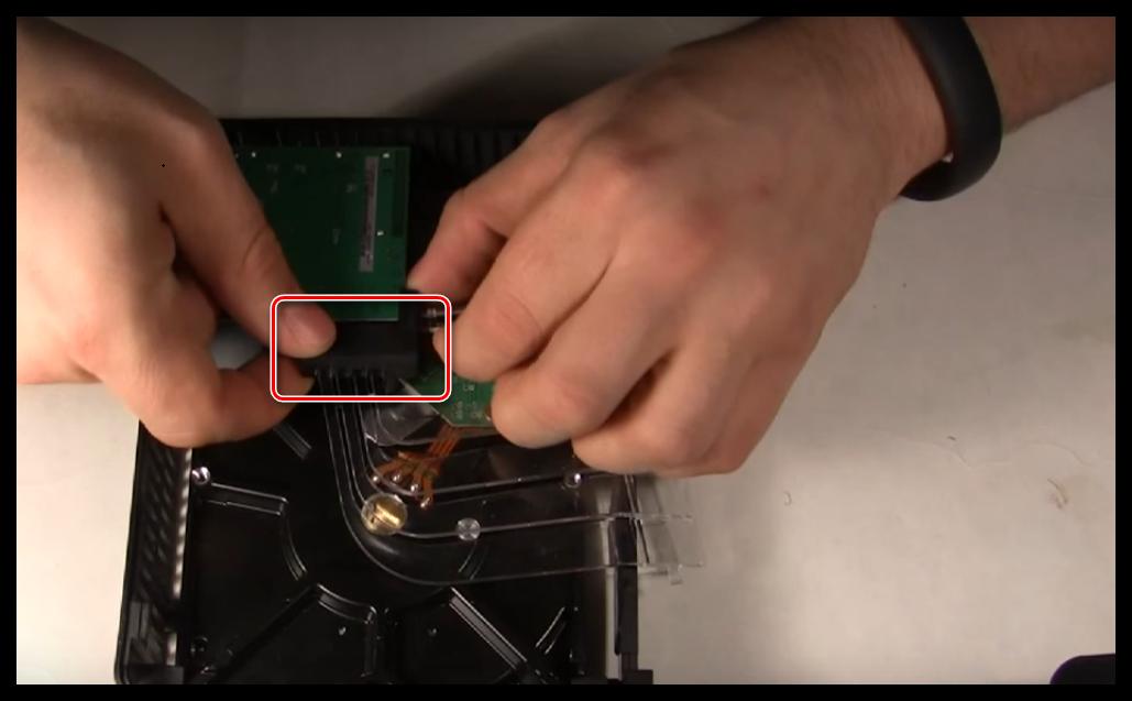 Как разобрать внешний жесткий диск WD
